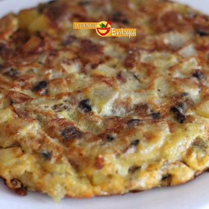 Tortilla de patatas calabacín y champiñones