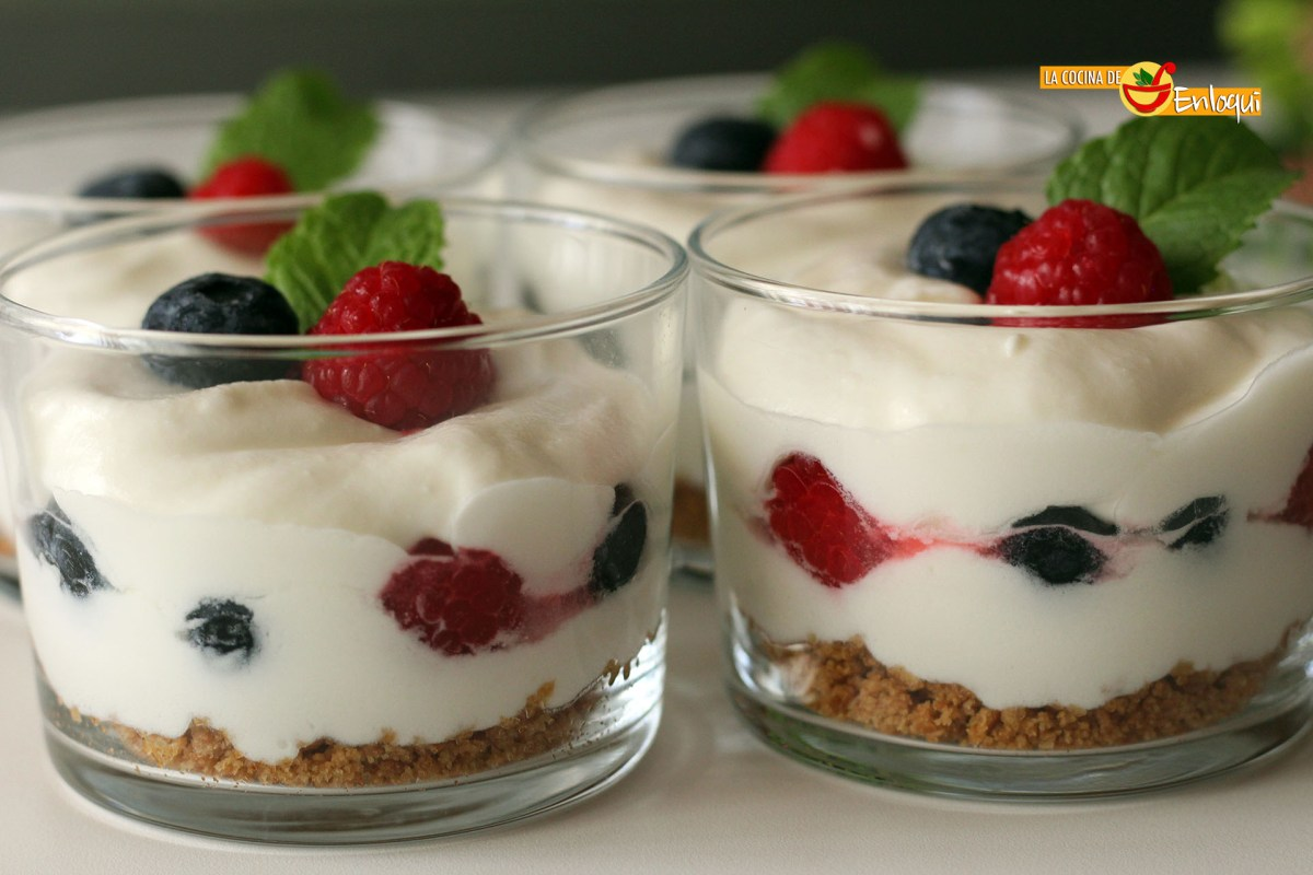 Trifle con frutos del bosque