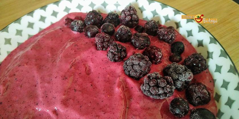 Smoothie bowl de frutos rojos