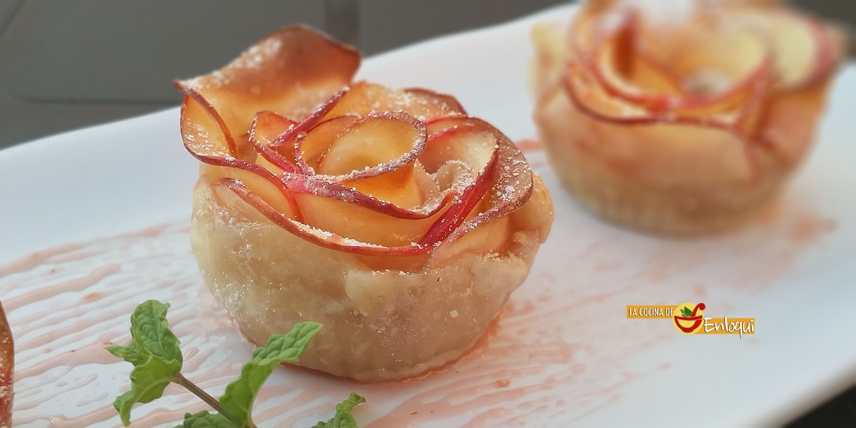 Mini tartas de manzana con forma de rosa