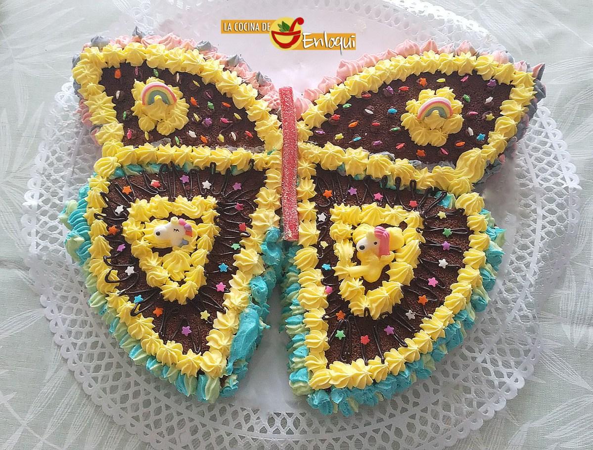 Tarta con forma de mariposa a partir de un bizcocho redondo
