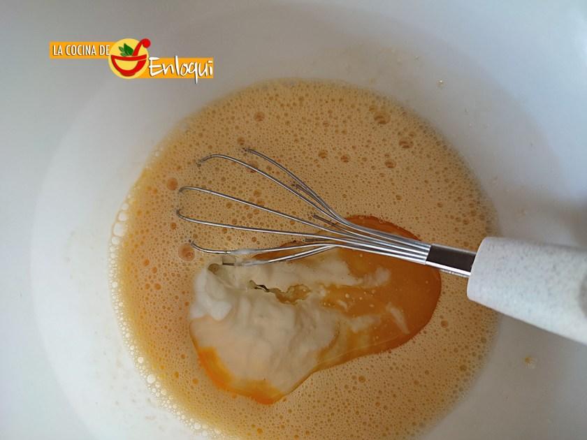 Bizcocho de yogur de limón esponjoso