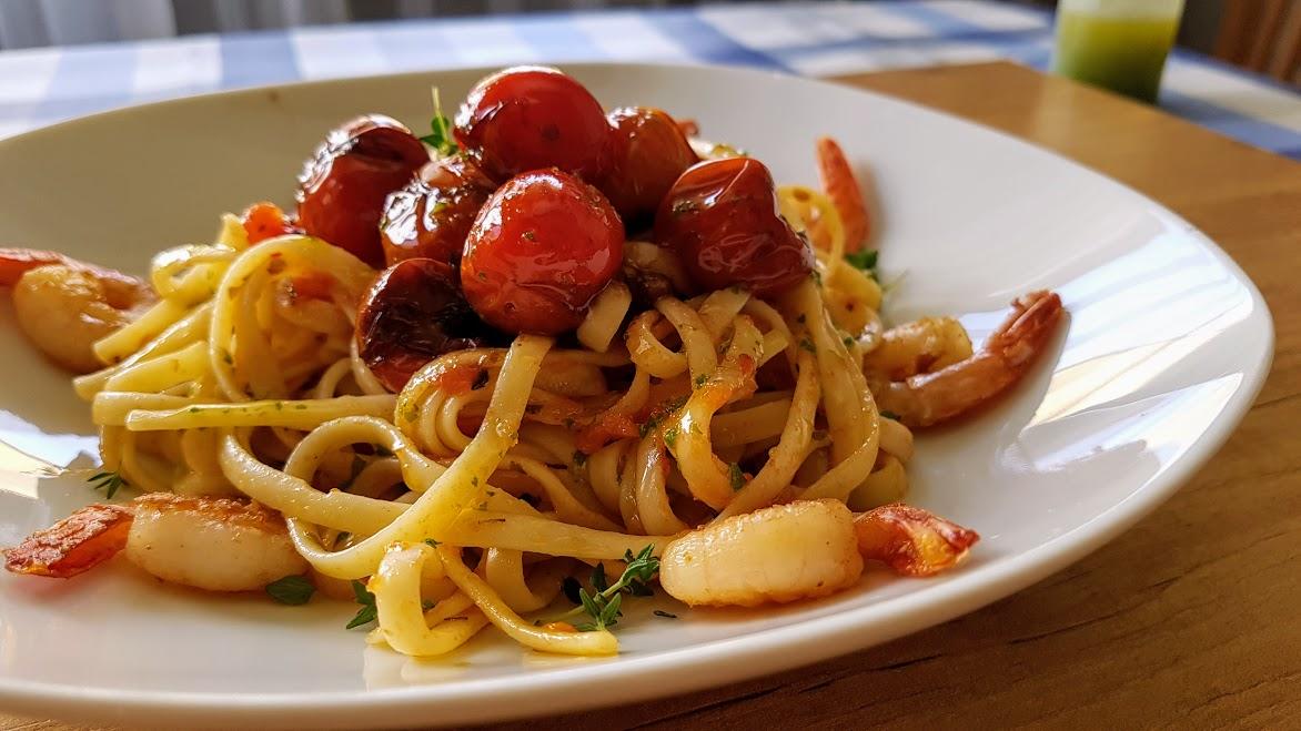 Tallarines con langostinos y tomate La Cocina de Pedro y