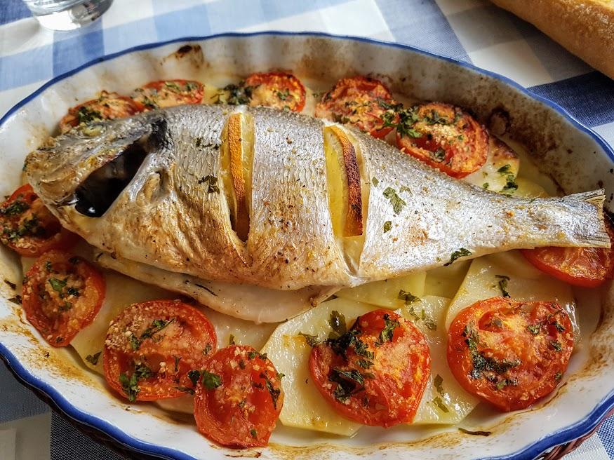 Dorada al horno con patatas La Cocina de Pedro y Yolanda