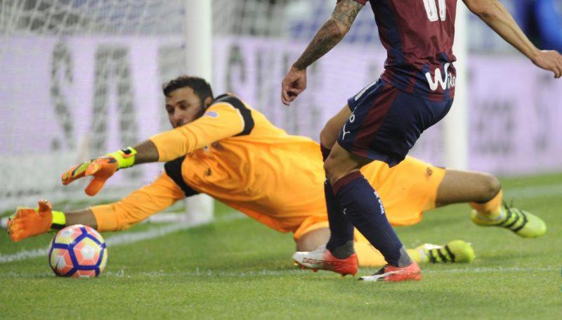 Sirigu se marcha cedido a Osasuna