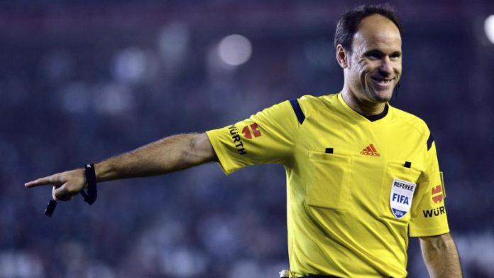Mateu Lahoz condenó al Sevilla
