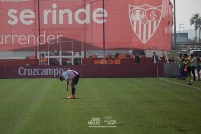 """Luciano Martín """"Luci"""", muy cerca del banquillo del Sevilla Atlético"""