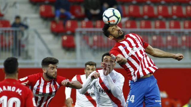 Mariño impide que el Sevilla Atlético sume