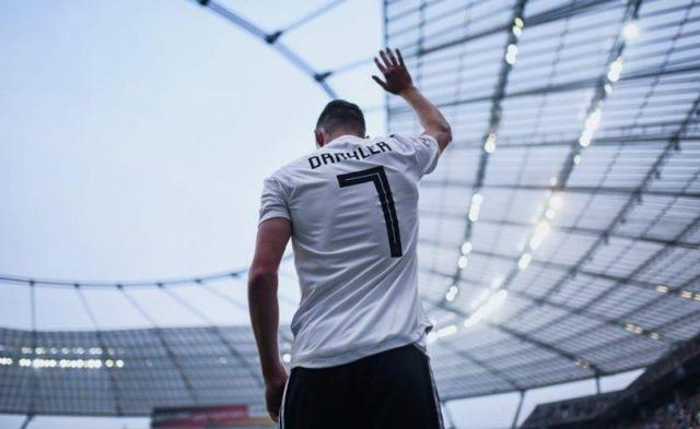 Draxler, objetivo del Sevilla, se despide tras ser sustituido en un partido | Imagen: Paris Saint Germain.