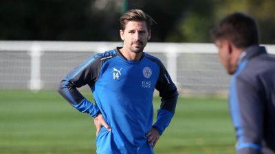 Adrien Silva espera al Sevilla