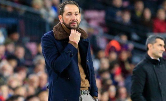 Machín sale cuestionado del Camp Nou
