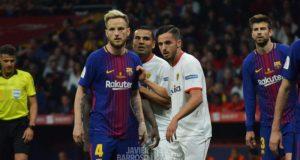 Mercado y Sarabia junto a Rakitic en la Final de Copa de 2018 entre Sevilla FC y FC Barcelona | Imagen: Javier Barroso
