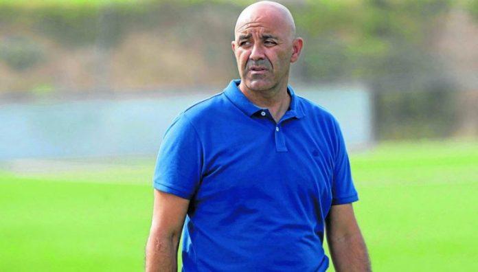 Paco Peña, destituido al frente del Sevilla C