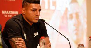Diego Carlos, durante su presentación | Imagen: Sevilla FC