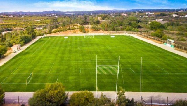 Campo de fútbol del complejo Colina Verde Golf&Sports Resort, en Portugal| Imagen: Sevilla FC