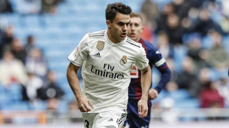 Reguilón, durante un partido con el Real Madrid   Agencias
