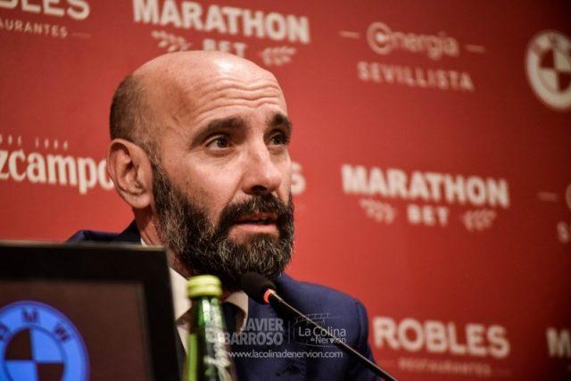 Monchi, durante una rueda de prensa de presentación de Jordán y Diego Carlos con el Sevilla FC | Imagen: La Colina de Nervión - Javier Barroso