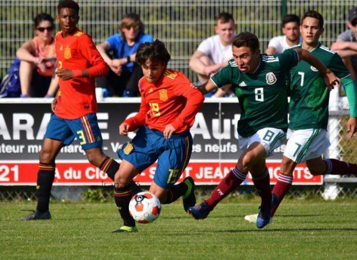 Carlos Álvarez, Juanlu y Adrián Romero, convocados para la selección