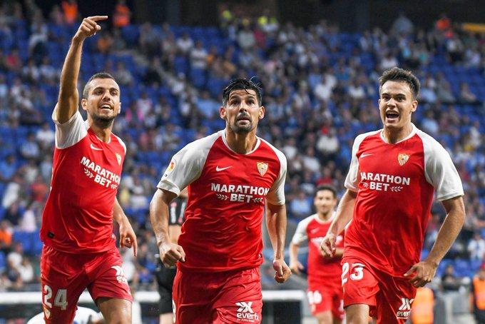 Joan Jordán, Nolito y Reguiñón, celebrando el tanto del gaditano ante el Espanyol   Imagen: UEFA