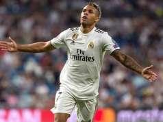 Mariano Díaz celebrando un gol con el Real Madrid