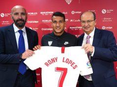 Rony Lopes, junto a Monchi y Castro en su presentación   Imagen: Sevilla FC
