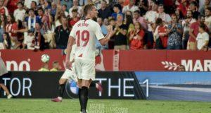 De Jong, durante el partido entre el Sevilla y la Real Sociedad | Imagen: La Colina de Nervión - Javi Barroso