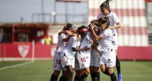 Virgy, celebrando con sus compañeras del Sevilla Femenino su gol ante el Granadilla | Imagen: Sevilla FC
