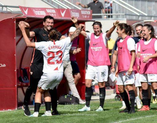 Karpova celebra su tanto junto a Cristian Toro | Imagen: Javi Barroso - La Colina de Nervión