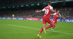 De Jong celebra un gol ante el Betis