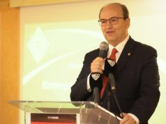 Pepe Castro, durante su discurso en el XIV Encuentro de Peñas Sevillistas, celebrado en Torrox | Imagen: Sevilla FC
