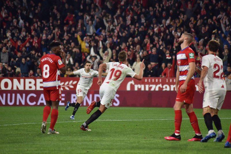 De Jong, celebrando el primer tanto del Sevilla FC ante el Granada | Imagen: Javier Barroso - La Colina de Nervión