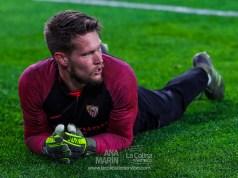Tomas Vaclik, durante el calentamiento para un partido del Sevilla FC | Imagen: La Colina de Nervión - Ana Marín