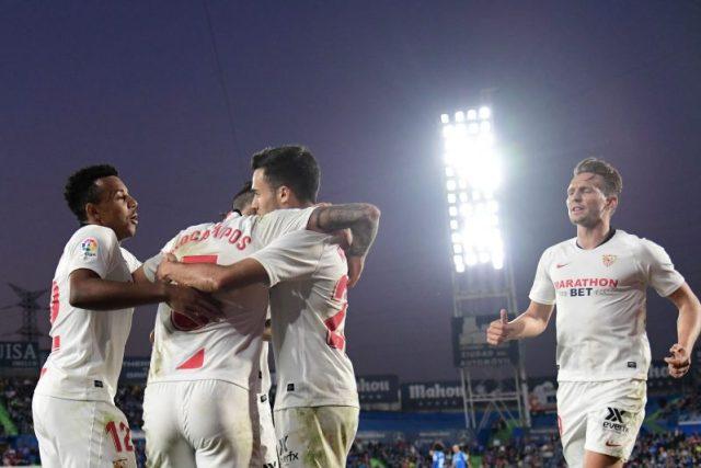 Lucas Ocampos, celebrando junto a sus compañeros el primer tanto del Sevilla FC de Julen Lopetegui en Getafe   Imagen: JAVIER SORIANO/AFP - Getty Images