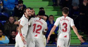 Koundé, celebrando junto a sus compañeros el tanto conseguido para el Sevilla FC en Getafe   Imagen: JAVIER SORIANO/AFP - Getty Images