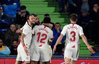 Koundé, celebrando junto a sus compañeros el tanto conseguido para el Sevilla FC en Getafe | Imagen: JAVIER SORIANO/AFP - Getty Images