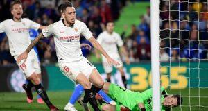 Lucas Ocampos, marcando el primer gol del Sevilla en el partido ante el Getafe | Imagen: JAVIER SORIANO / AFP - Getty Images