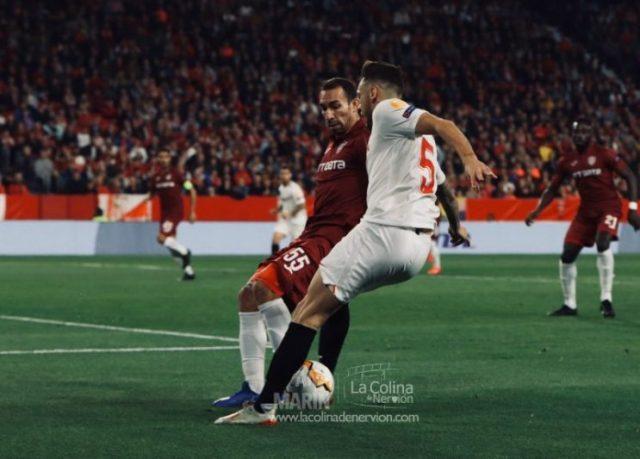 Ocampos, durante el partido del Sevilla FC frente al Cluj en la vuelta de dieciseisavos de final   Imagen: La Colina de Nervión - Ana Marín