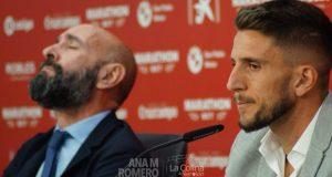 Daniel Carriço, en su despedida junto a Monchi | Imagen: Ana M Romero - La Colina de Nervión