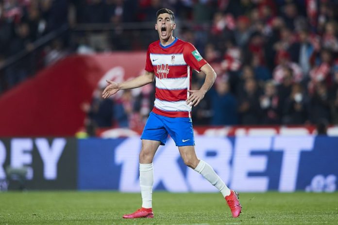 A Carlos Fernández le gusta la opción del Benfica