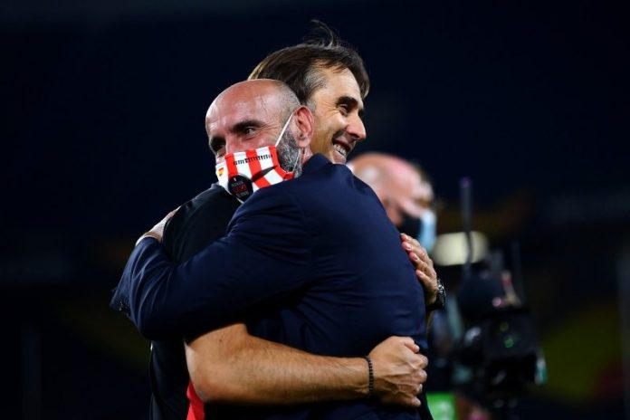 Monchi y Julen Lopetegui celebrando el pase a semifinales de UEL | Imagen: Sevilla FC