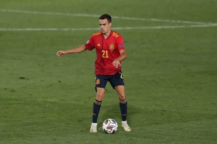 Alex Telles acerca a Sergio Reguilón al Sevilla FC