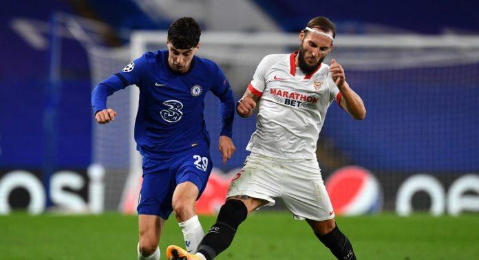 Gudelj, en el partido contra el Chelsea FC en Stamford Bridge