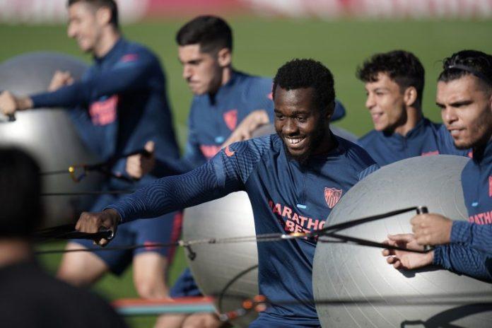 Joris Gnagnon vuelve a entrenarse con el Sevilla FC
