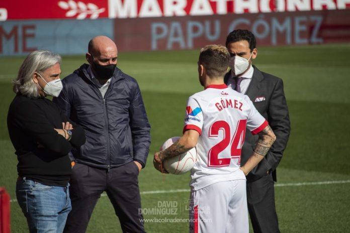 El 'Papu' Gómez, Diego Carlos y Navas entran en la convocatoria para Eibar