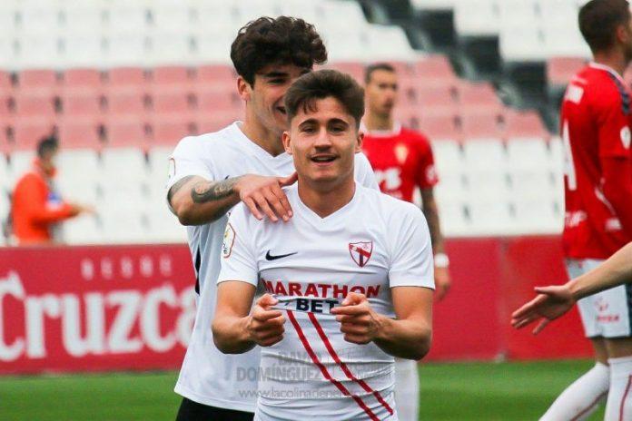 El Sevilla Atlético firma un empate ante el Murcia en un partido agónico