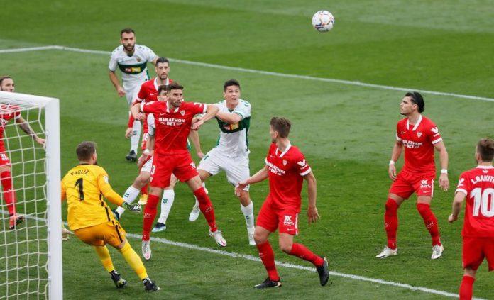 El Sevilla FC, sin plan B y con la cantera olvidada