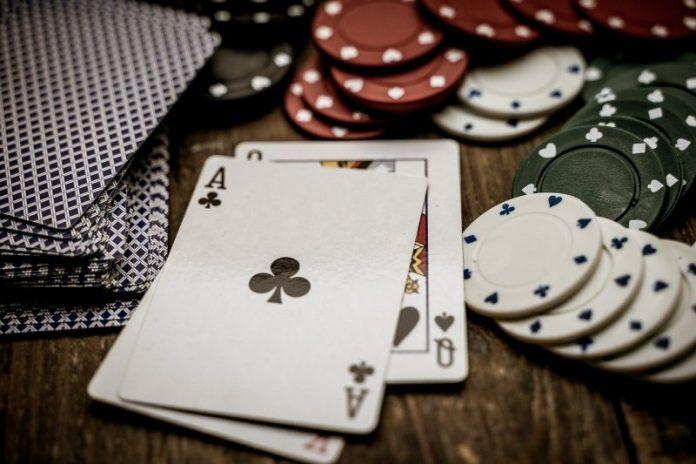 Los juegos de cartas, entretenimiento de los futbolistas