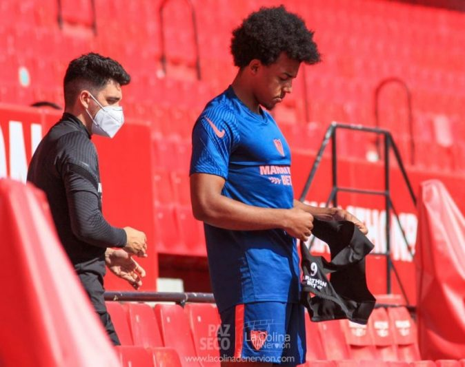 Jules Koundé, listo para recibir al Granada CF
