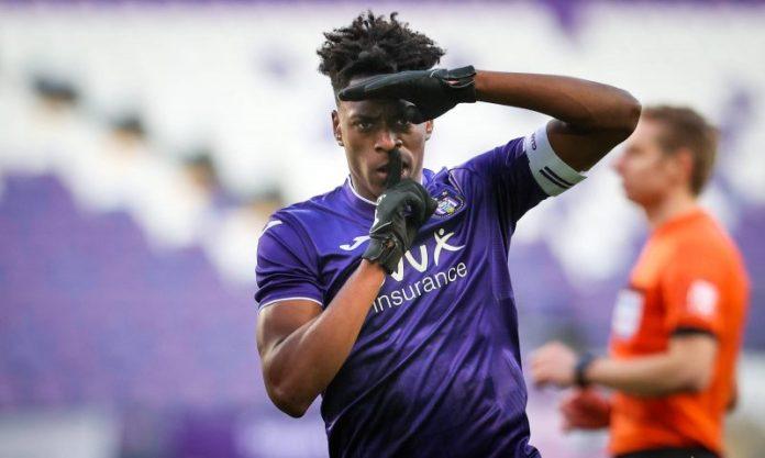 Sambi Lokonga, opción muy seria para el centro del campo