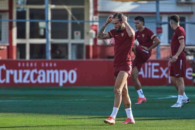 Sevilla FC VfL wolfsburg Fichajes fútbol club julen lopetegui Nemanja Gudelj uefa champions league